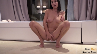 Big orgasm to driving pretty a herself squirt brunette masturbate clitoris