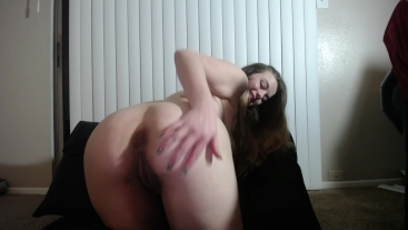 Hot Chubby White Girl Cums HARD