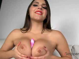 Pornstar Valentina Nappi Masturbating