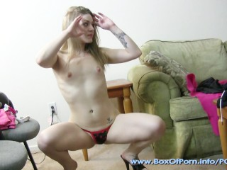 Las Vegas Stripper Jessy Sweets Practicing Shakin Dat Ass At Home!