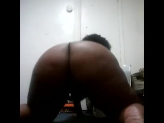 Sexy ebony bbw shaking soft ass on all fours
