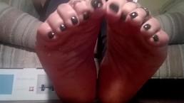 Giantess Gummy Crush while relaxing