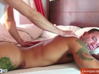Ass massage to this handsome latino hetero guy !