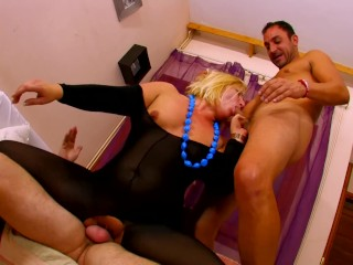 Top blonde pornstar big tit milf didi valendrey gets her gapping holes dpd mom mother ass