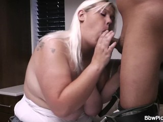 Blonde bbw gets throat and pussy fucked