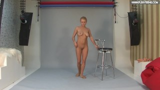Russian standing spreads by Vetrodueva Play girl