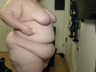 SSBBW Jiggling For You