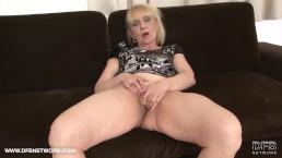 Oma Porn Oude Vrouw Krijgt Gezicht Cumshot Wordt Geneukt In Haar Kutje