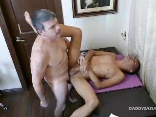 Asian Twink Craig Barebacked By Daddy Mike