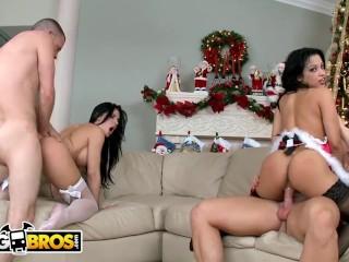 BANGBROS – Ass Parade Xmas Special with Abella Anderson & Rebeca Linares