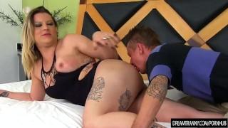 Flip Flop bareback tranny Amanda Ferraz fucking