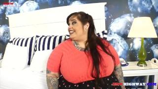 Pawg Goddess Veronica Bottoms meets Adonis on BBWHighway.com Natural handjob