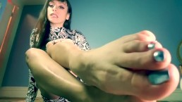 Amara_Noir_Losers_Foot_Worship