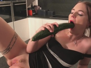 Big To Ass Amateur Ass On Anal orgasm with cucumber for Cathy Crown the belgium Porn star