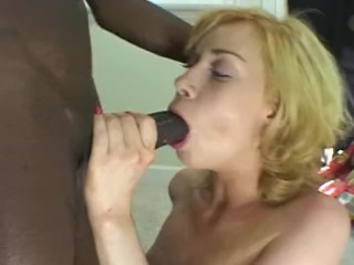 Blondes loves blacks cocks! a perfect blowjob for a cute blonde
