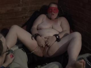 2016-06-02 - fuckmeat masturbates in an alley