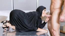 TeenPies - Muslim Teen Gets Creampied