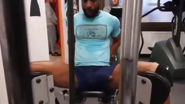 This Guy Has A Dick Slip In The Gym  Thumbzilla-7700