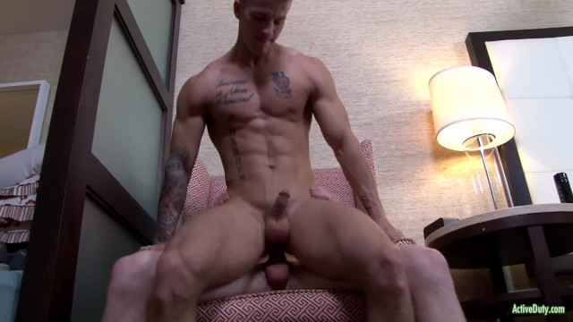Gay guy on guy fucking blowjobs Activeduty quentin gainz fucks raw with cute army