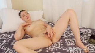 Yanks Babe Iris Ives Orgasming