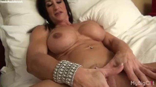 Michelle baker bodybuilder nude - Nude female bodybuilder rubs her big clit