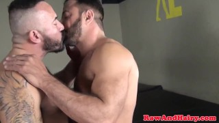 Muscular wolf wanks cum while riding bareback