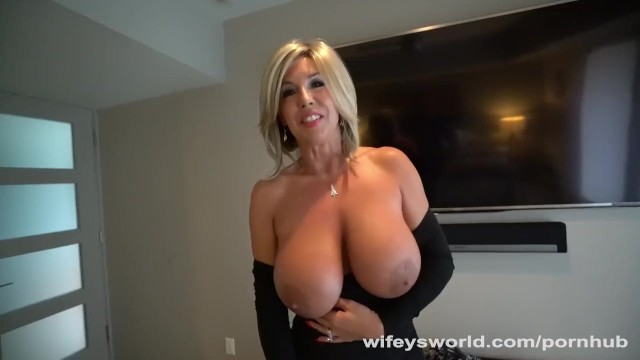 Wifeys world videos with vibrators - Wifeys slutty neighbor gets drilled for xmas