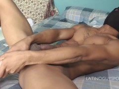 HOT LATINO GUY FUCK HIS OWN ASS