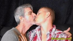 Hot Makeout - DILF & Twink Kissing - Richard Lennox - Leo Blue - Manpupy
