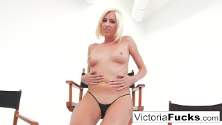 Pussy white victoria her with plays ass blonde