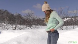Winter Pee of Katya Clover