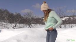 Winter Pee of Katya Clover