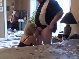 Il suo cazzo non era mai stato succhiato da una donna... fino ad ora!