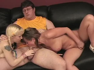 YOUNG TEEN RUSSIANS GIVE GUY A DOUBLE BLOWJOB