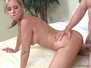 Aunts in my pants starring Jodi West