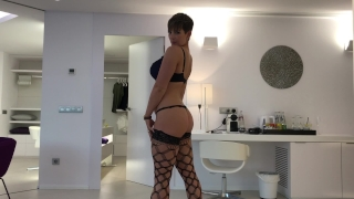 ESCORT BROOKS SUCKS AND FUCKS CLIENT XXX Homemade threesome