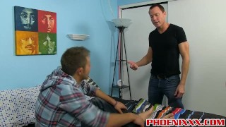 Attractive twink Dakota Knox knows how to pleasure his daddy