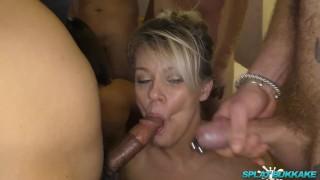 English girls Bree Branning and Jamie Ray enjoy bukkake party facials Mom curvy