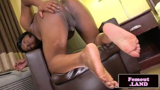 Bigbooty ebony tgirl pulling her cock solo