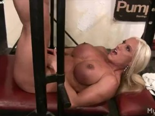Naked Female Bodybuilder Rubs Her Clit in Gym