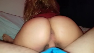 Teengirl knows how to take a creampie deep in her pussy