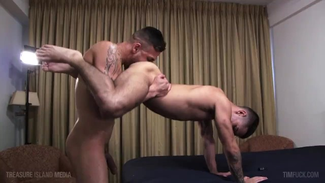 Big cock gay muscle - Monster cock latin jock deep breeding ruins tys hungry fuckhole