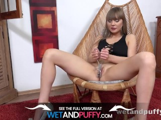 Wetandpuffy - A Golden Orgasm