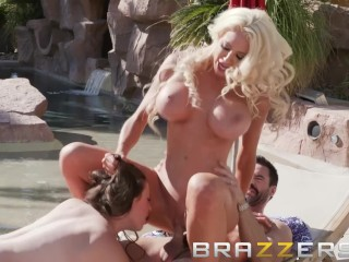 Brazzers - Cassy and Nicolette share a cock by the pool