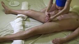 Sexig massage til ham og orgasme kontrol med sidste cumshot på mit ben 4k