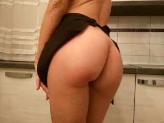 Real Amateur housewife masturbating with orgasm Aurora Polaris