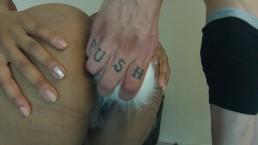 ebony twerking with ass plug