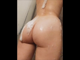 Big Booty Amateur Showers, Shakes, and POV Fucks for an Explosive Creampie