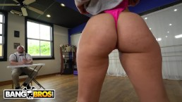 BANGBROS - Kelsi Monroe Twerking Lessons Ends With Anal Sex