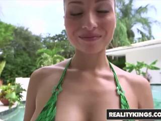 Big Naturals - Adessa Winters show off her Bikini Body